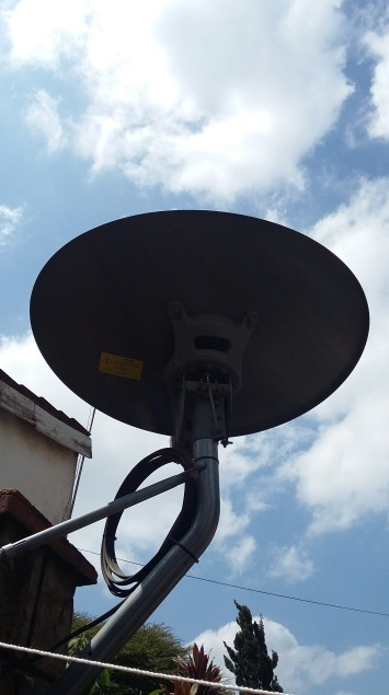 The 74 centimeter dish with a clear view of the western sky. From Nairobi the look angle is a favourable 88.5 degrees